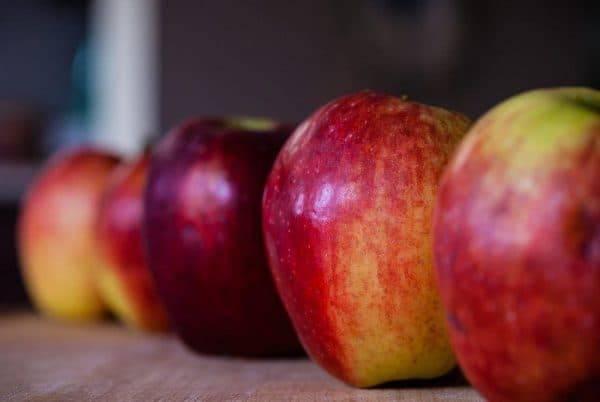 Хранение яблок в домашних условиях на зиму: в пленке и погребе