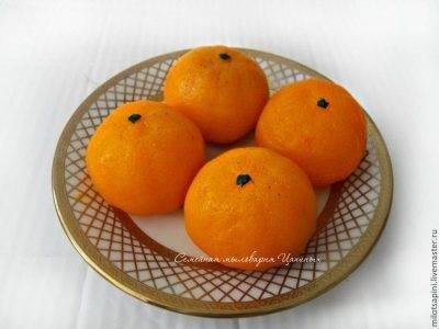 Почему не надо выбрасывать мандариновые корки?