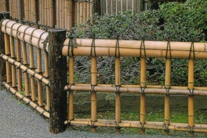 Как сделать палисадник из металлического или деревянного штакетника: фото и видео