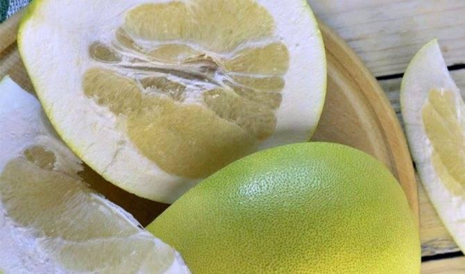 Как чистить и резать помело? 12 фото как правильно и быстро в домашних условиях разрезать фрукт? как его есть? как красиво подавать на стол?