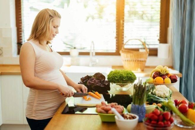 Морковь при беременности: польза и вред на разных сроках
