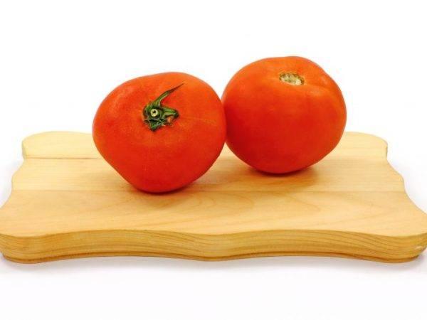 Помидор ошпаривают кипятком для снятия. как снять кожицу с помидоров. один из вариантов