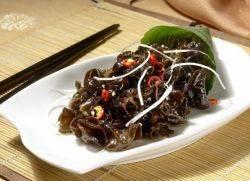 Черный древесный гриб, иудино ухо, аурикулярия уховидная или черный китайский гриб муэр