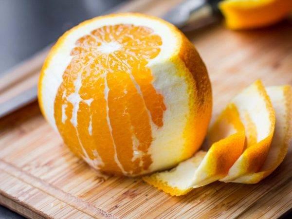 Как быстро почистить апельсин от кожуры и пленок без брызг