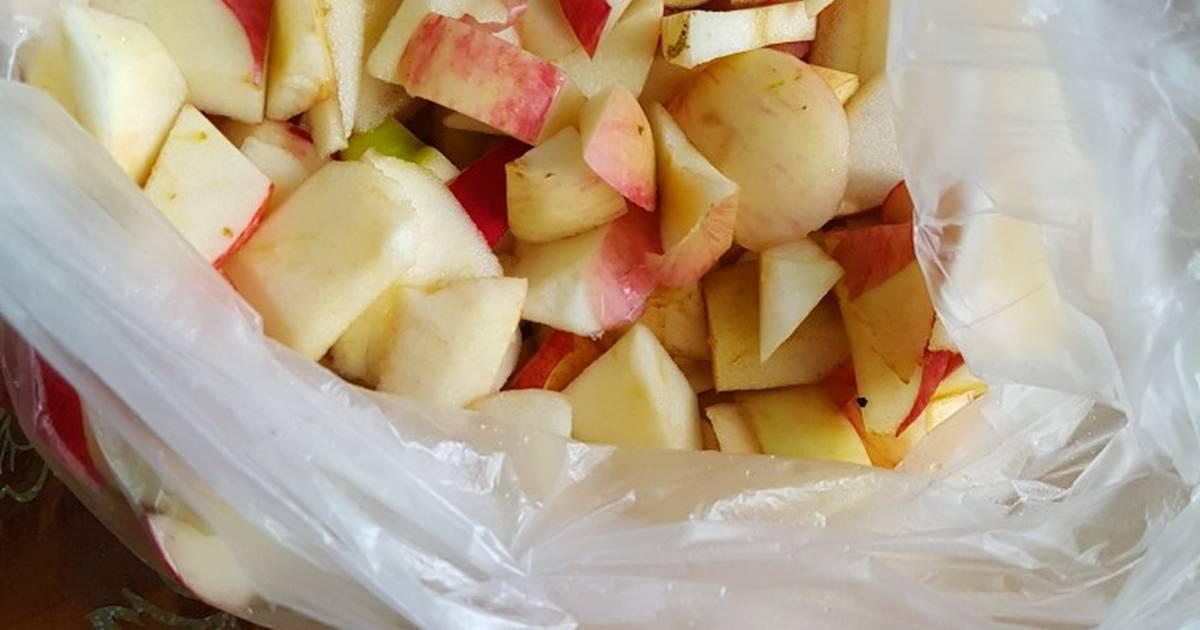 Можно ли заморозить яблоки на зиму в морозилке и как это сделать правильно?