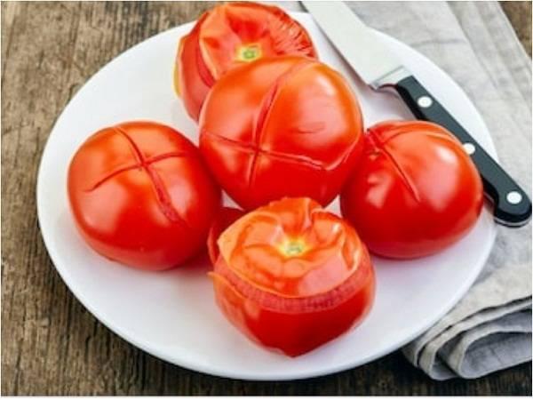 Как снять кожуру с помидора: способы очистить томаты от кожицы с помощью бланширования и других методов
