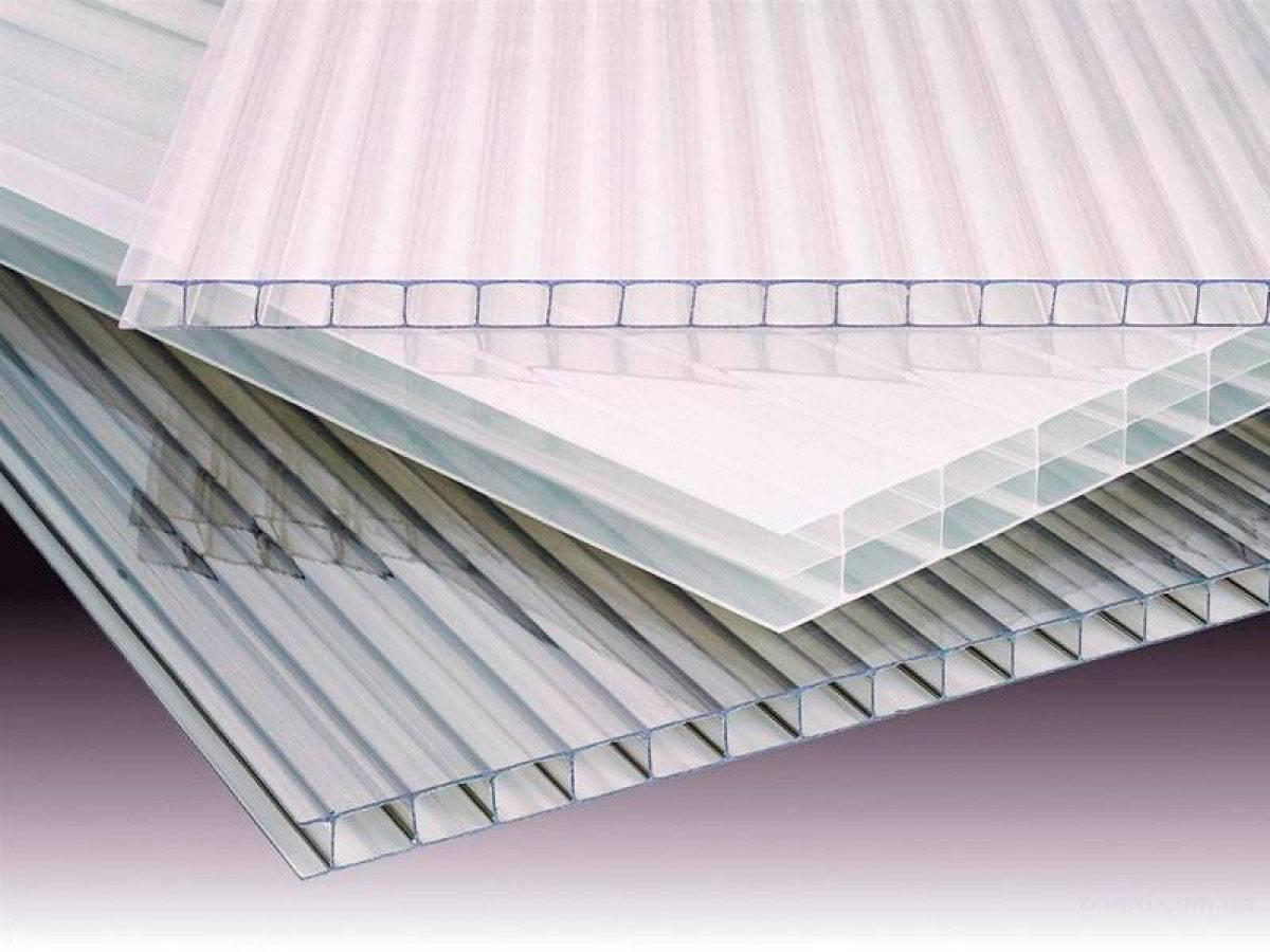 Какой поликарбонат лучше использовать для теплицы: как выбрать вид, размер и подобрать толщину, ширину панели