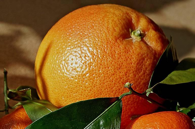 Апельсин: какая калорийность в 1 шт без кожуры, сколько углеводов, белков, жиров