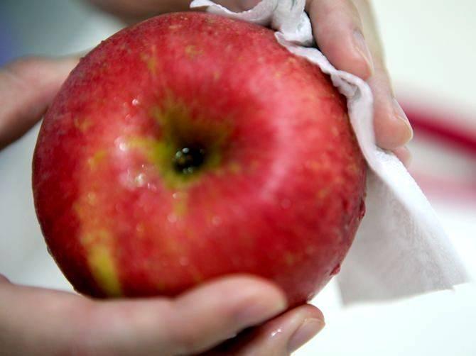 Как заморозить яблоки в домашних условиях на зиму в морозилке