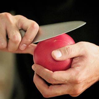 Лайфхак — как снять шкурку с помидора