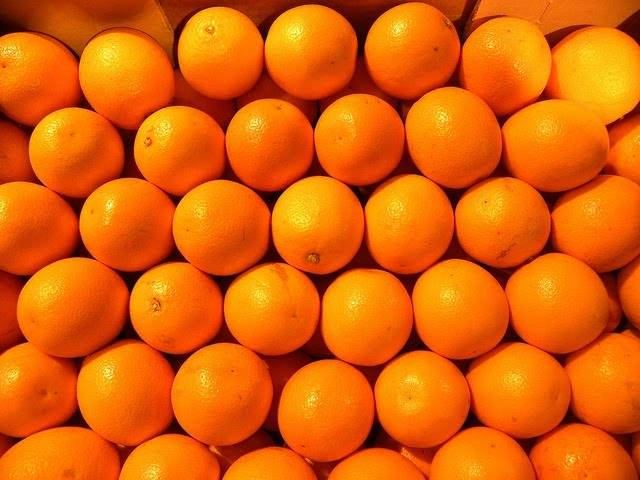 Как почистить апельсин быстро и без особых усилий!