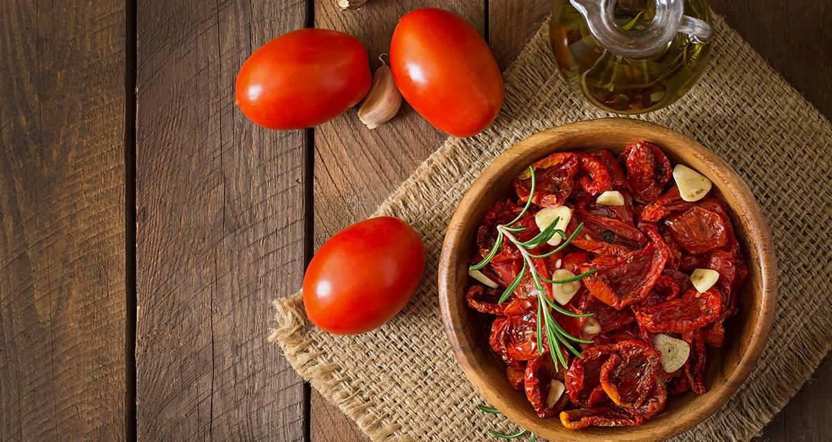 Помидор калорийность на 100 грамм, состав и полезные свойства