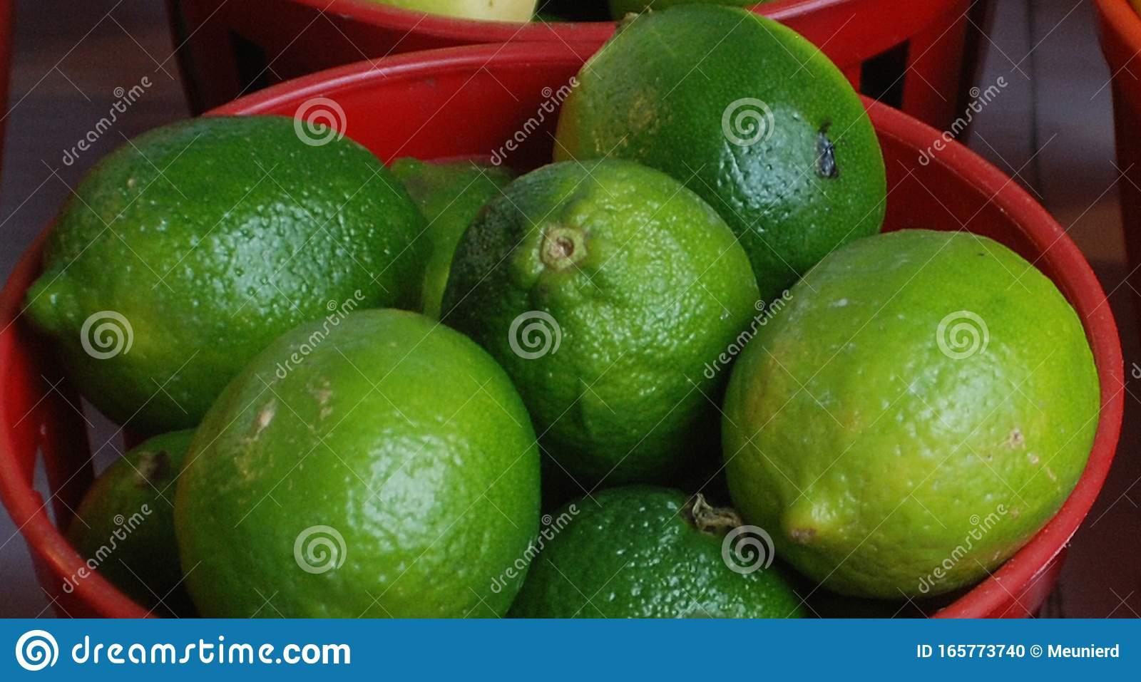 Чем отличается лайм от лимона, полезные свойства лайма, фото