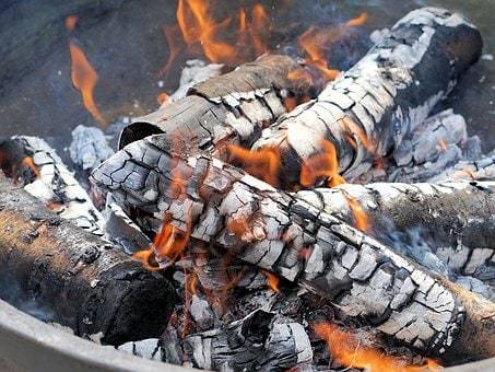 Подкормка огурцов в открытом грунте народными средствами, дрожжами, йодом с молоком, крапивой, золой,борной кислотой, перекисью, в теплице