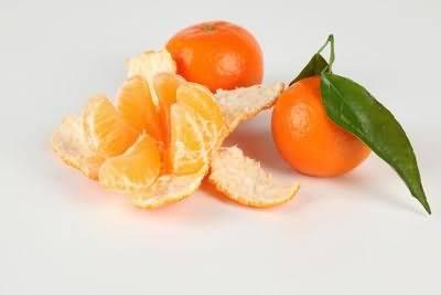 Фрукты и ягоды при грудном вскармливании