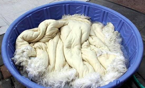 Как постирать овечью шкуру в стиральной машине и вручную