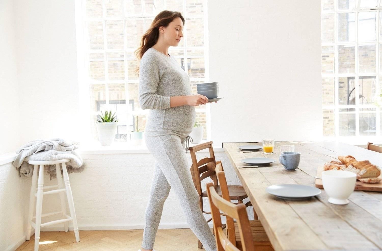 Кабачок и кабачковая икра, баклажан при грудном вскармливании: можно ли есть кормящей маме, особенности употребления при лактации