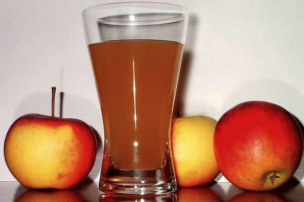 Любимый с детства яблочный сок и его целебные свойства