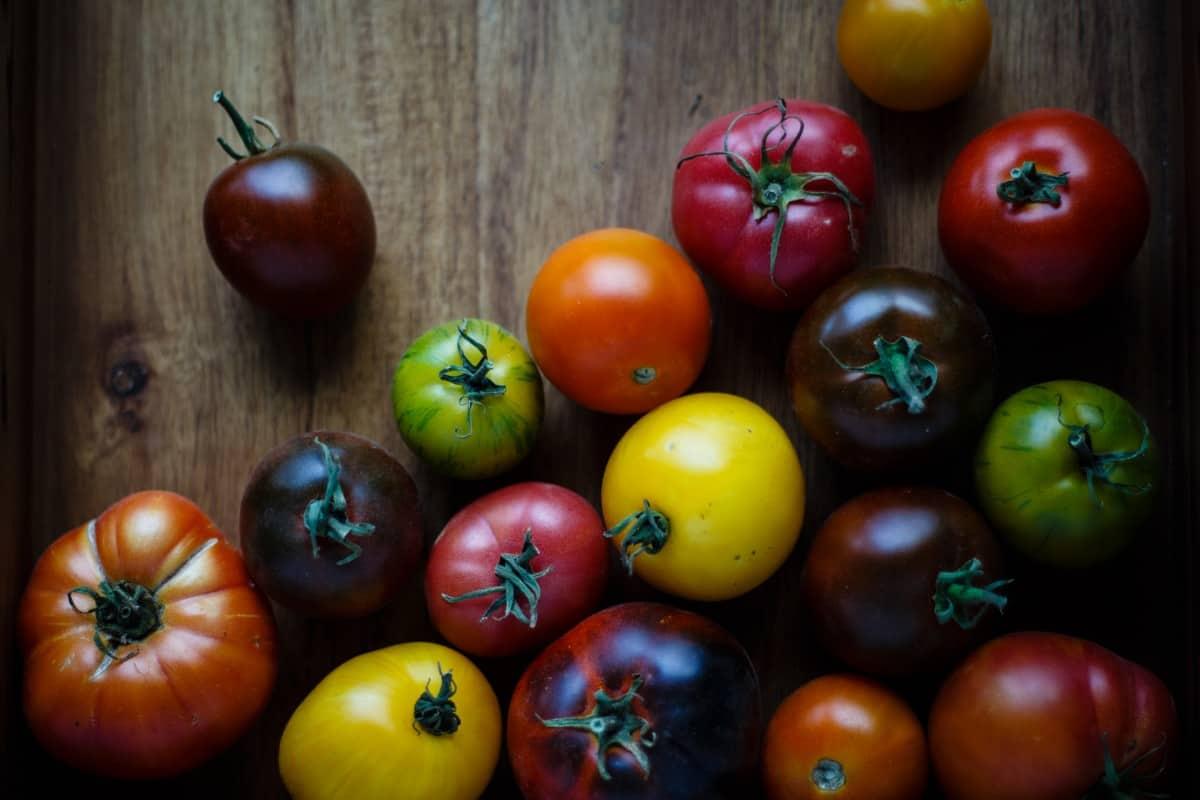 Сорт томата шапка мономаха: описание и советы по выращиванию