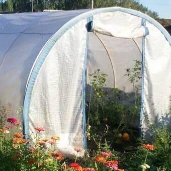 Укрывной материал для грядок: как выбрать для использования в теплице - огород, сад, балкон - медиаплатформа миртесен