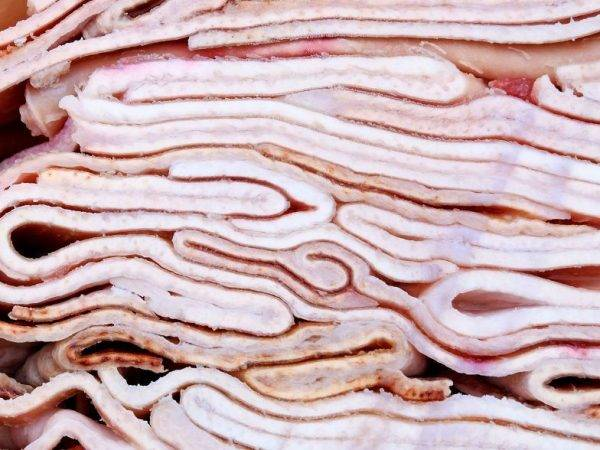 Полезна ли свиная шкура