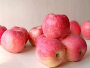 Красные сорта яблок: описание сортов, сроки созревания и фото