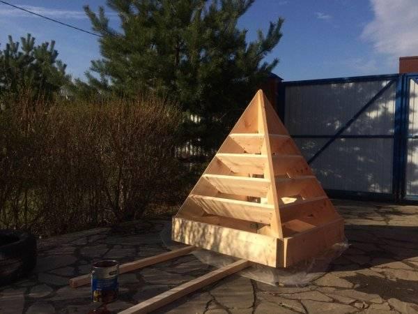 Как сделать пирамиду для клубники своими руками
