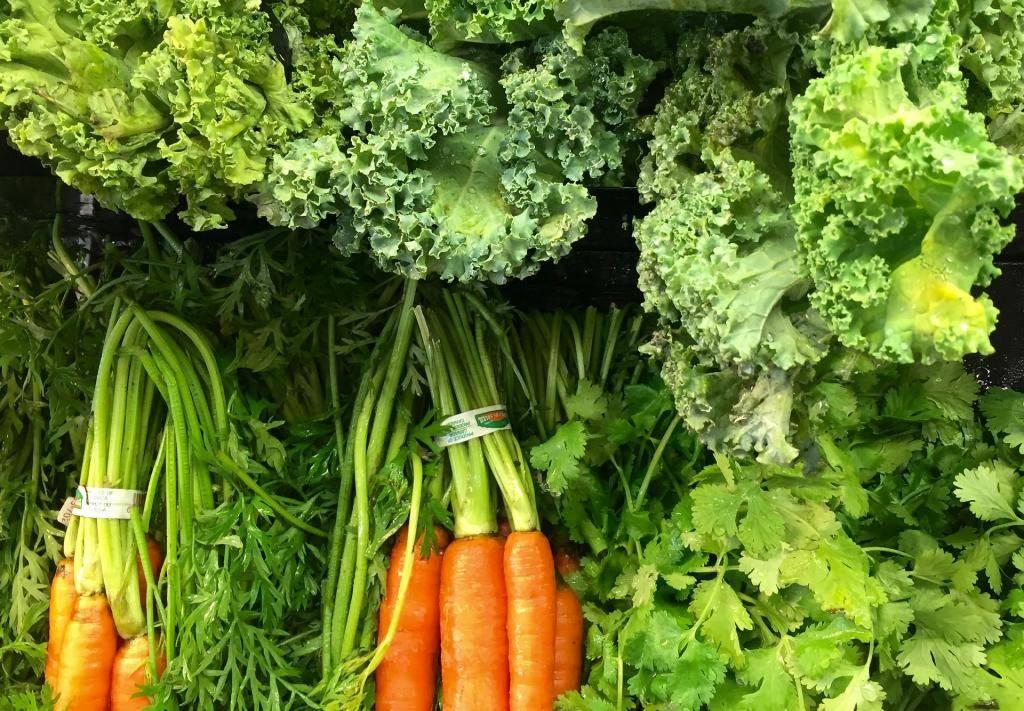 Помогает ли морковь от изжоги и в каком виде её лучше употреблять?