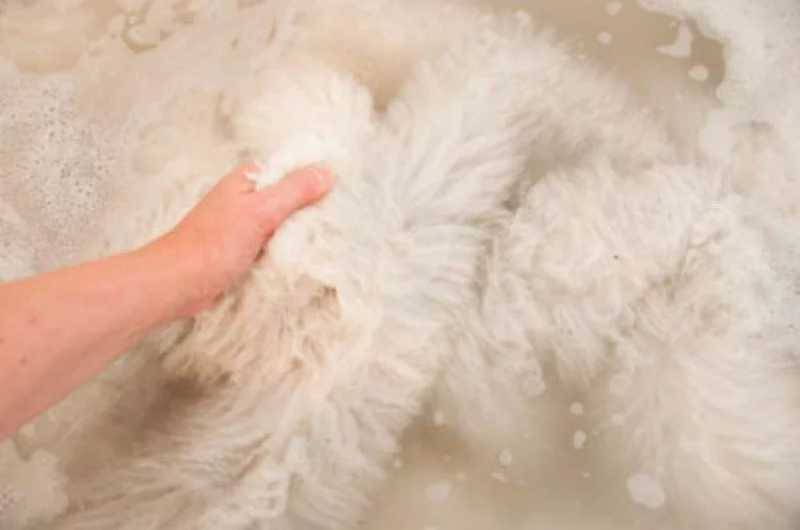 Как постирать овчину? – натуральную в домашних условиях