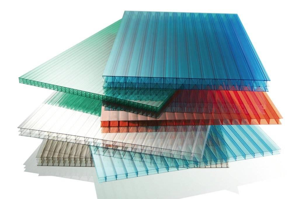 Какой поликарбонат выбрать для теплицы? как и где лучше использовать материал с сотовой структурой толщиной 4 мм и какой плотности должен быть, отзывы