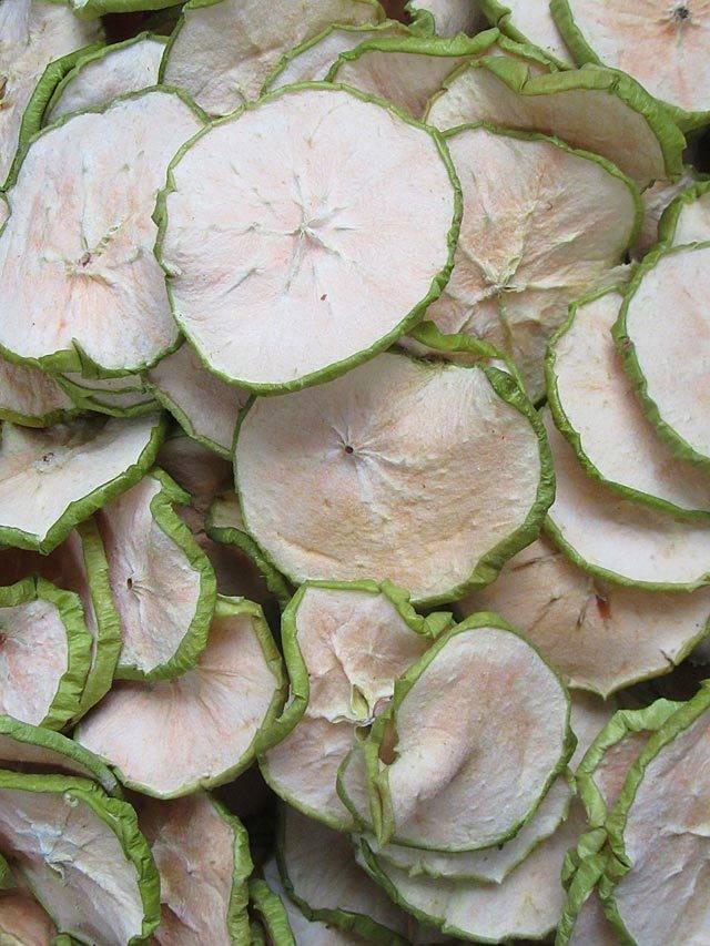 Сушеные яблоки: польза и вред для здоровья, рецепты