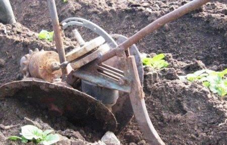 Советы по работе мотоблока — междурядная обработка,окучивание,выкапывание картофеля