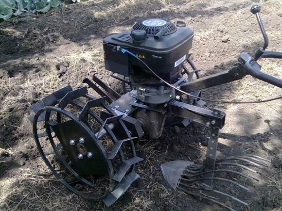 Основные виды картофелекопалок для мотоблока, преимущества и недостатки использования на огороде