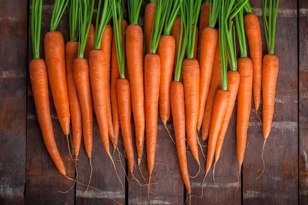 Чем полезен морковный сок?