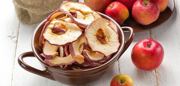 Сушеные яблоки: калорийность, польза, как заготовить, противопоказание