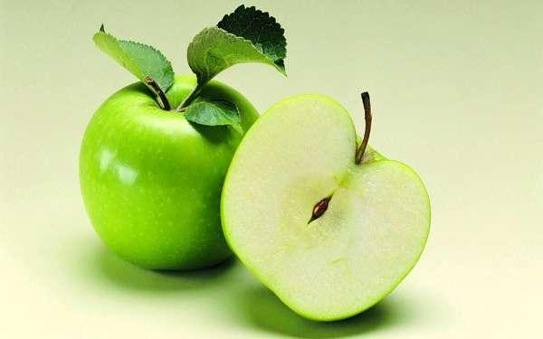 Почему яблоко темнеет на срезе