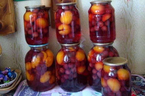 Компот из черешни с абрикосами на зиму - 9 пошаговых фото в рецепте