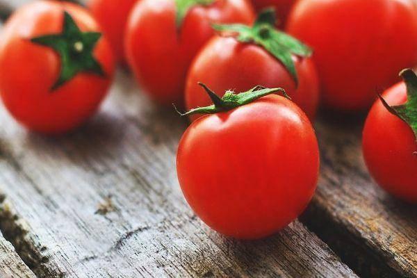 К чему снятся красные соленые помидоры: значение сна о банке для мужчин и женщин, толкование по сонникам