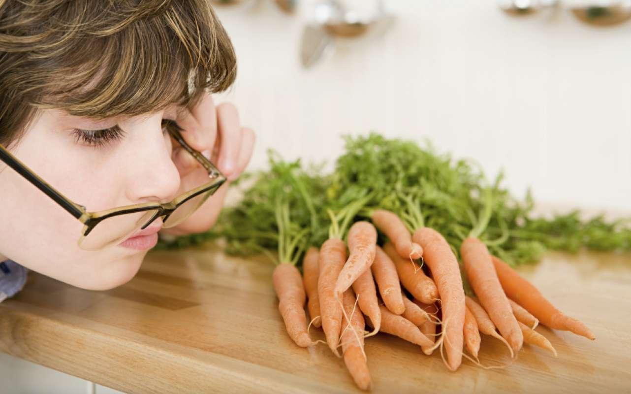 Прием сока моркови. как улучшить зрение, когда тебе за…