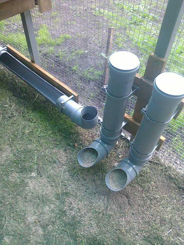 Кормушка для кур из канализационной трубы: видео