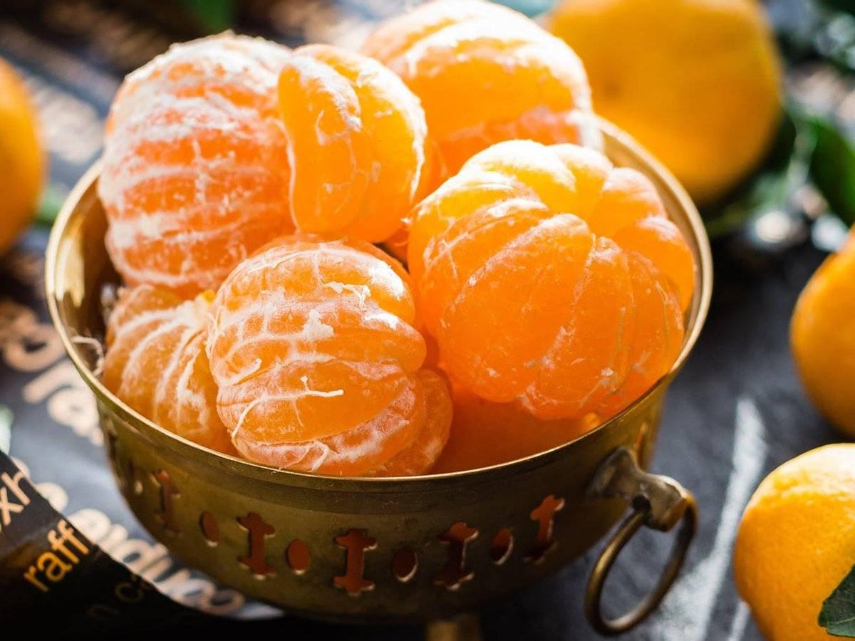 Можно ли беременным апельсины во время 1, 2 или 3 триместра и сколько штук в день можно кушать, если очень хочется: польза и вред, советы по выбору и мнение врачей