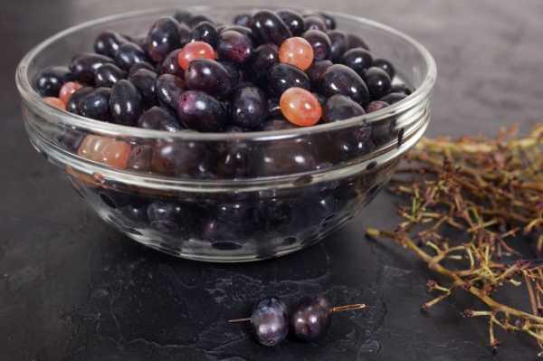 Кишмиш красный туркменский — виноград