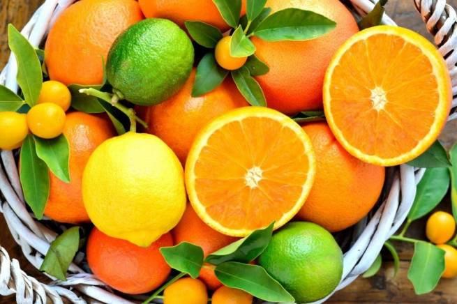 Какие витамины содержаться в апельсинах и лимонах