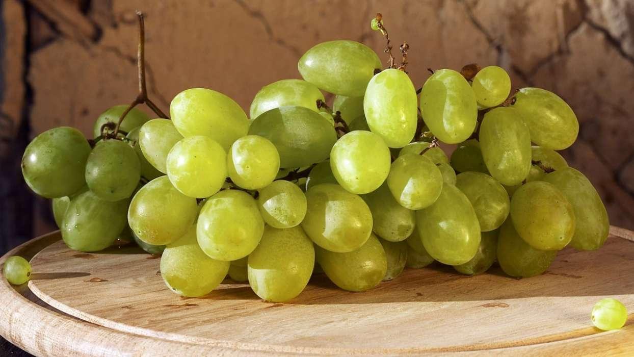 Виноград зарница: описание сорта и отзывы, фото-галерея