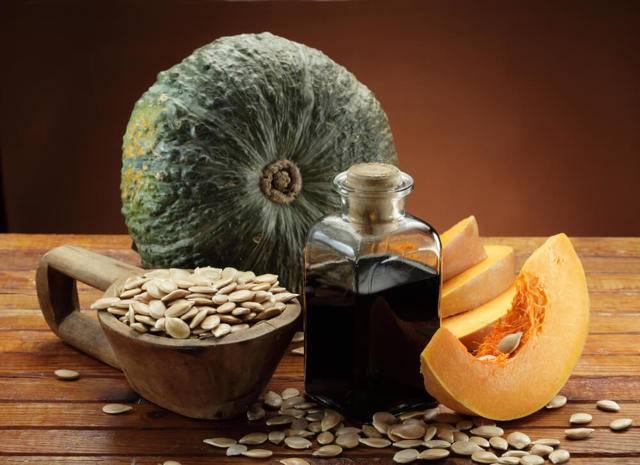 Тыквенное масло: польза и вред, как принимать, полезные свойства для мужчин, женщин, волос, кожи, противопоказания