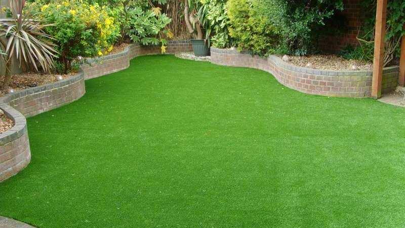 Как сеять газонную траву своими руками : пошаговая инструкция с фото и видео – все о ремонте